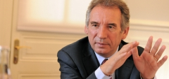 main_1363961498Bayrou-art9.jpg